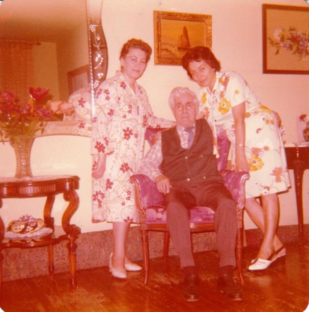 1974, Նիւ Յորք. Գաբրիէլ Մաճառեանի և նրա տիկնոջ հետ