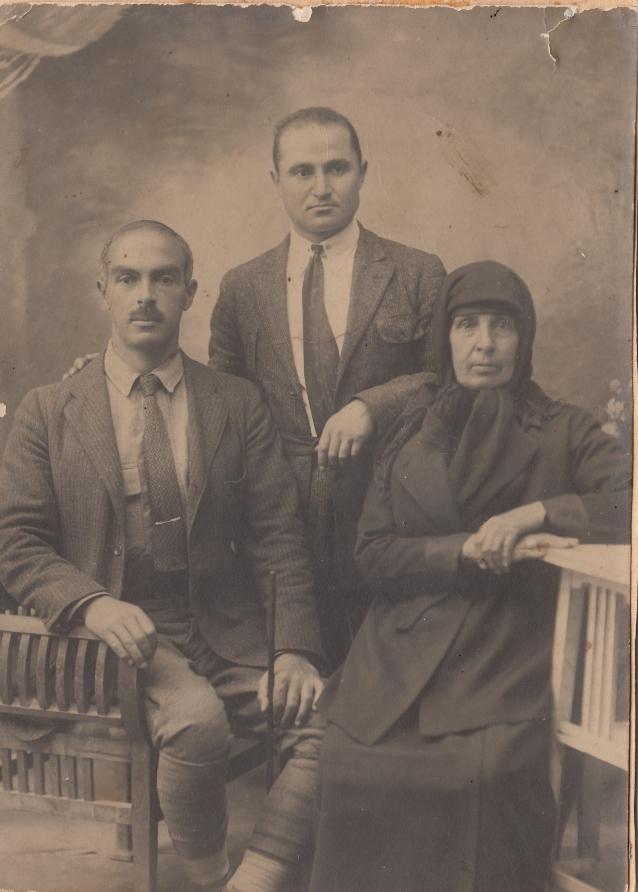 Վահան, Փիթ, Նարդուհի Զեննեյան