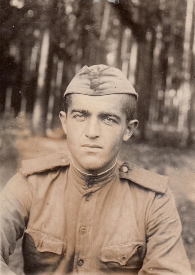 Ռաֆայել Իշխանյանը, 1945