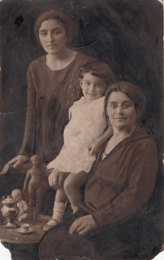 mayrikis het ushanik mayrik baku 1931 kam 1932