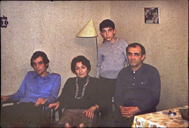 եղբայրս, մայրս, ես, հայրս